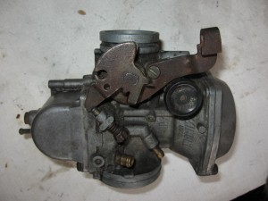 carburateur  	Gn400t 1980-82 gn400x 80-81	13200-37300