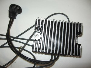 74519-88 , SOLID STATE OEM STYLE RECTIFIERS/REGULATOR , 1989-99 zwart