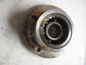 Housing middle gear , plaat uitgaandeas 	Xj700 1985-86 , xj700x 85-86 , xj900r 1983	31A-W1752-00	2ht-w1752